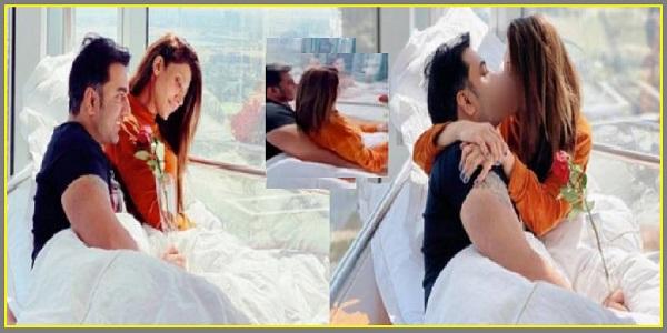 Sana Fakhar's Photo With Husband Set Social Media On Fire